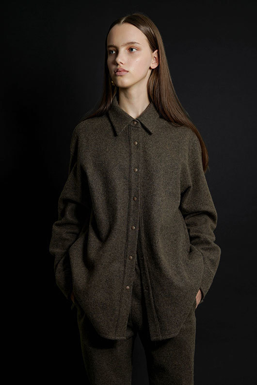 for her. WOOL OVERFIT SHIRTS (BROWN)